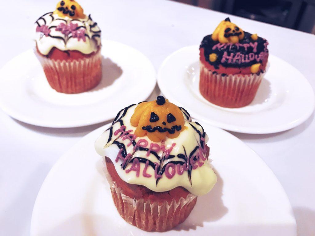 大人のハロウィンカップケーキ&フラワーペーパーレッスン